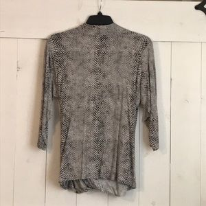 Rose & Olive Tops - Snake print 3/4 sleeve drape front top
